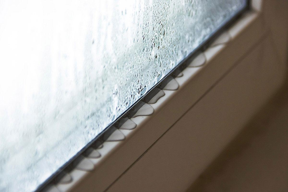 Причини запотівання металопластикових вікон