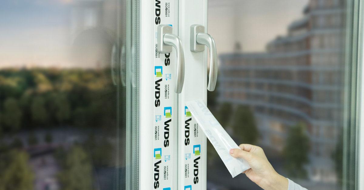 Как снять защитную пленку с металлопластиковых окон