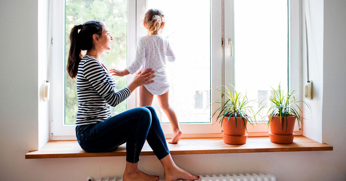 Безпека вашої дитини. Правила поведінки з вікнами для дітей та батьків