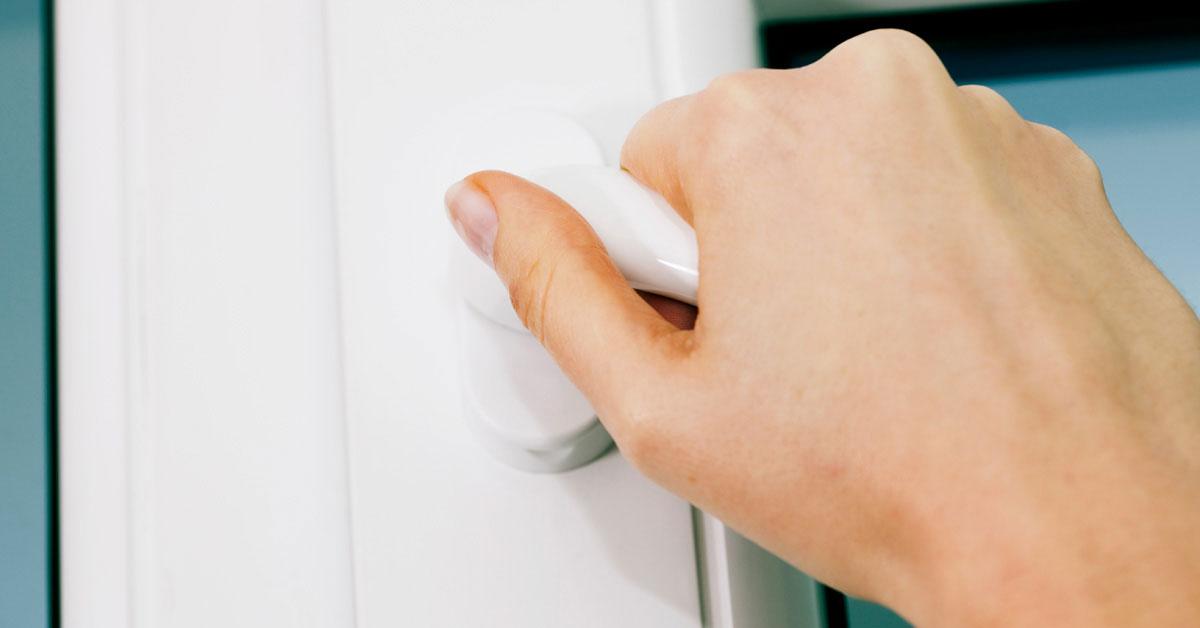 Що робити якщо вікно або двері погано закриваються