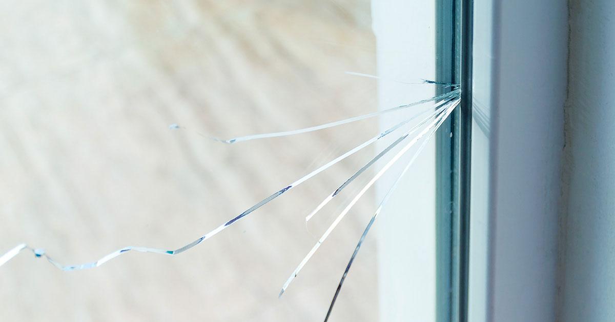 Когда менять пластиковые окна