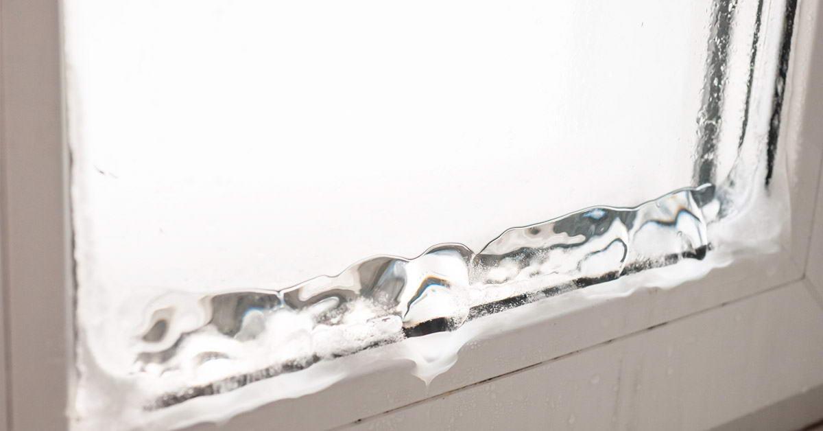 Почему пластиковые окна промерзают?