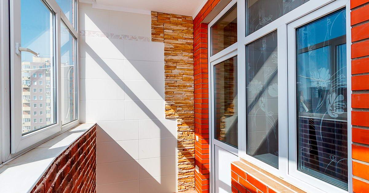 Скління балконів металопластиковими вікнами
