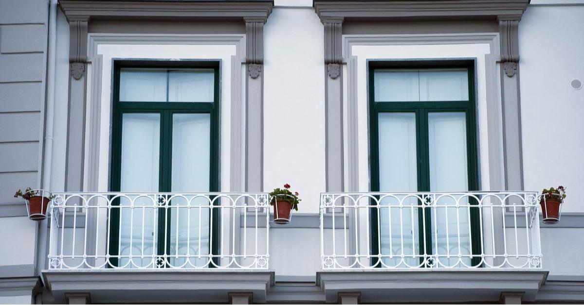 Французские балконы: преимущества и недостатки