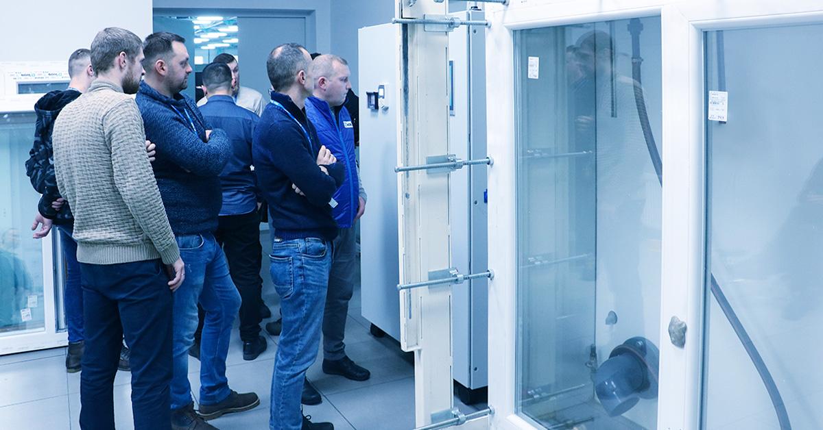 Компанія «Екіпаж» провела випробування вікон у лабораторії «МІРОПЛАСТ»