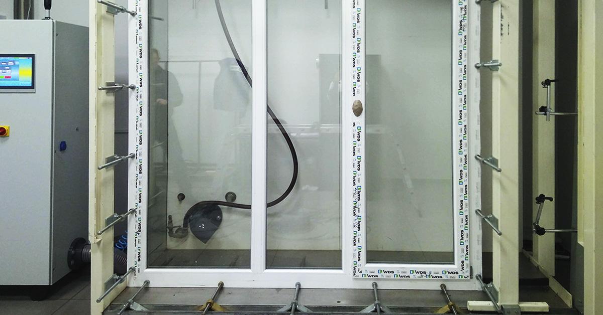Випробування вікна виробництва «Основа» в лабораторії «МІРОПЛАСТ»