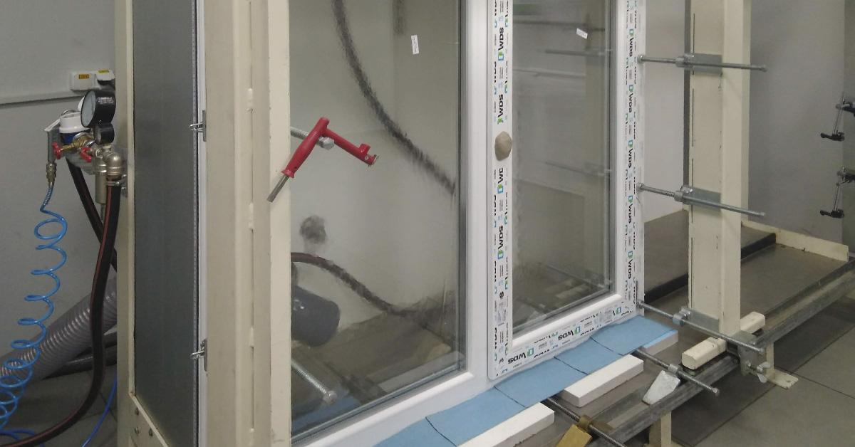 В лаборатории МИРОПЛАСТ провели испытания окна от компании «ВСКН»